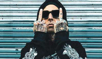 Escucha la colaboración de Travis Barker con Anuel AA y el remix de blink-182 con Powfu